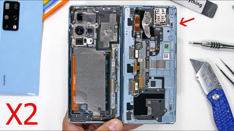 Известный мучитель смартфонов показал, как складной Huawei Mate X2 за 3 тысячи долларов переживает разборку