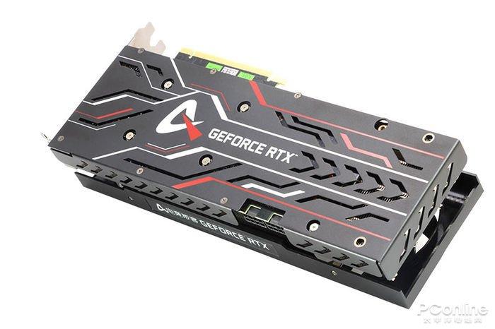 Видеокарта AXGaming GeForce RTX 3070 Ti X3B окрашена в черный цвет
