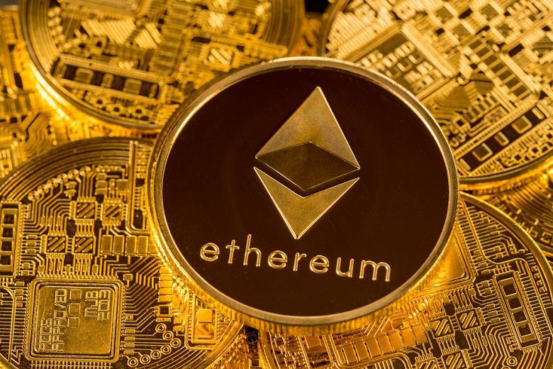 Стоимость Ethereum упала ниже 1950 долларов впервые с февраля 2021 года