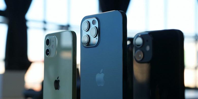 Сотрудники сервисного центра Apple опубликовали интимные фото и видео девушки, которая сдала свой iPhone в ремонт. Конфликт уже урегулирован