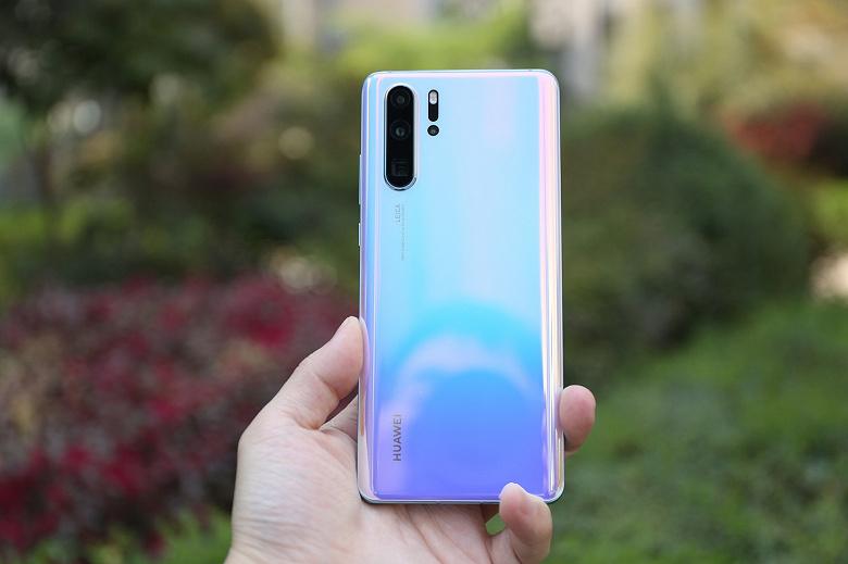 Постепенный уход Huawei с рынка смартфонов очень сильно ударил по Sony
