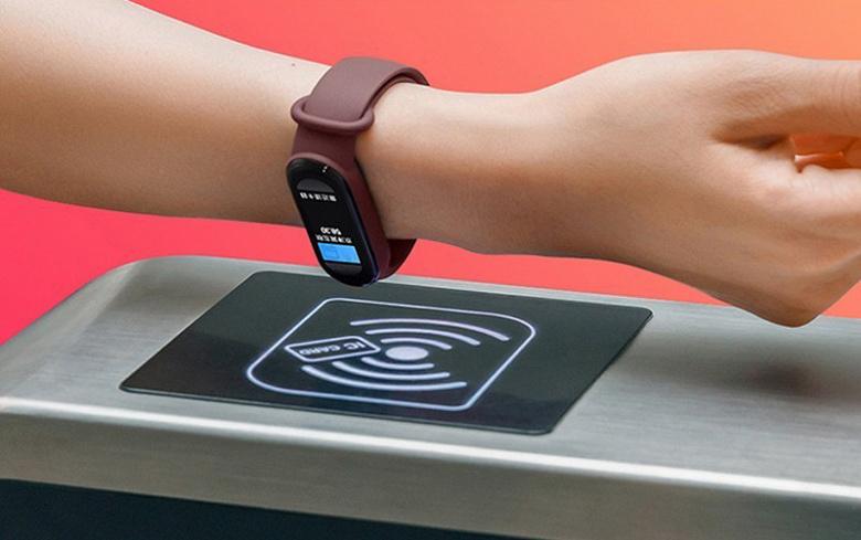 Хитовые фитнес-браслеты Xiaomi Mi Band 6 подешевели в Китае