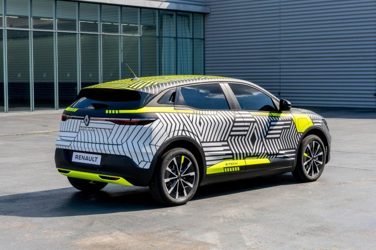Представлен электромобиль Renault MeganE