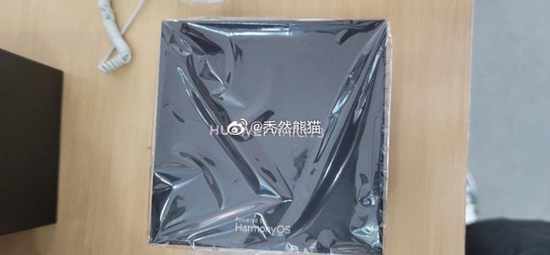 Умные часы Huawei Watch 3 сфотографировали в магазине за пару часов до официального анонса