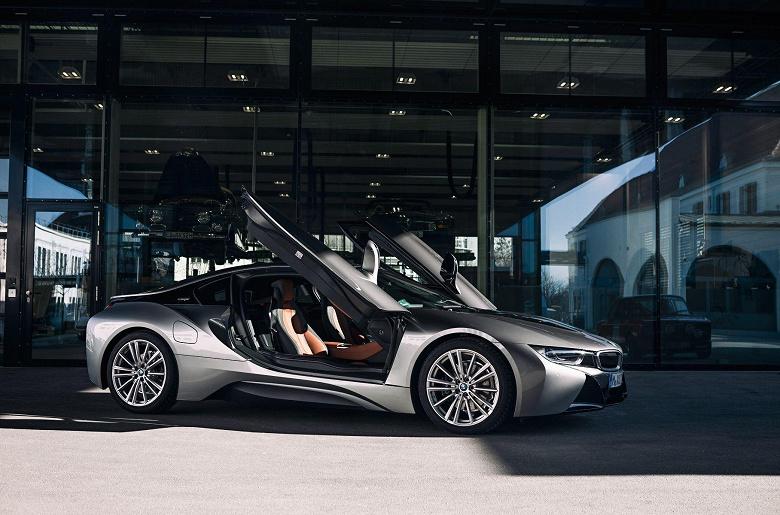 Создатель BMW i3 и i8 теперь работает в Apple
