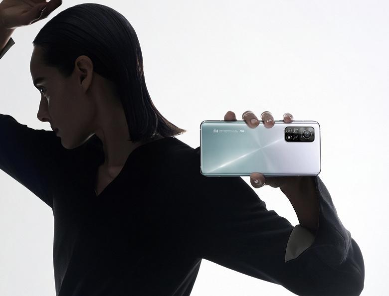 Смартфоны Xiaomi и Poco отдают заметно дешевле в России