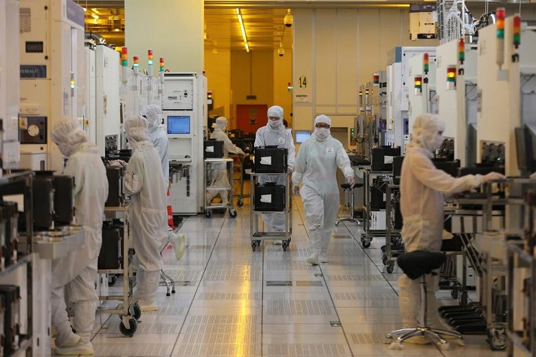 В этом году Китай уже произвел рекордное количество микросхем — более 140 млрд штук
