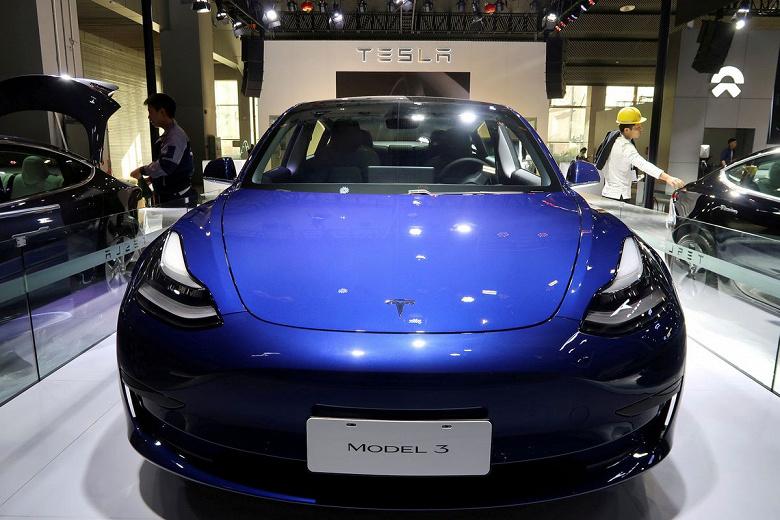 Tesla «отзывает» автомобили в Китае для онлайн-обновления программного обеспечения