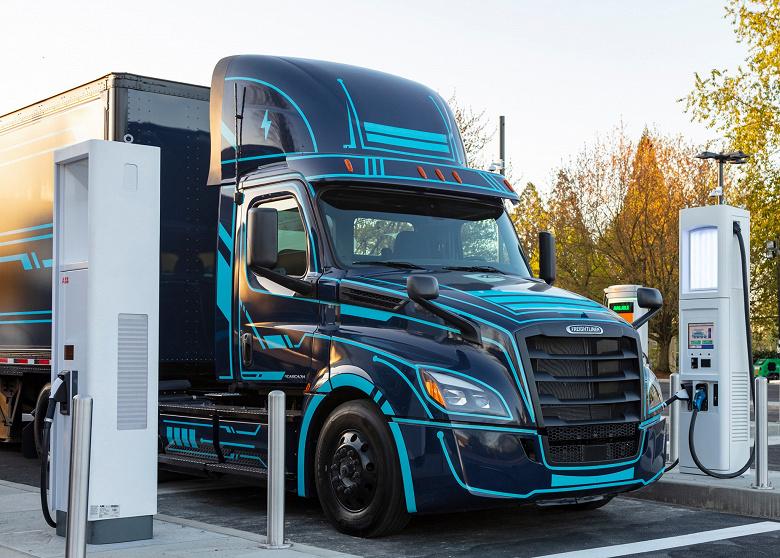 Daimler, Volvo и Traton планируют создать совместное предприятие, которое займется сетью зарядных станций для грузовиков