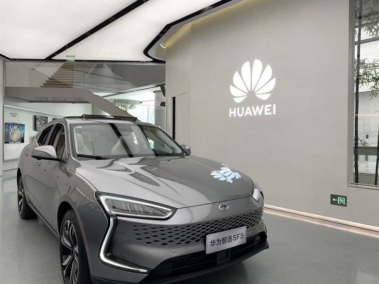 Семиместный кроссовер Huawei выйдет до конца года