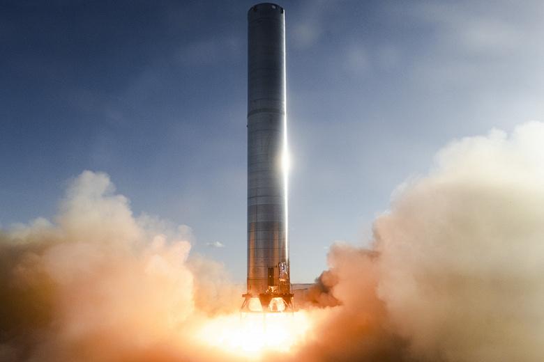 Илон Маск показал огромную ракету Super Heavy с работающими двигателями