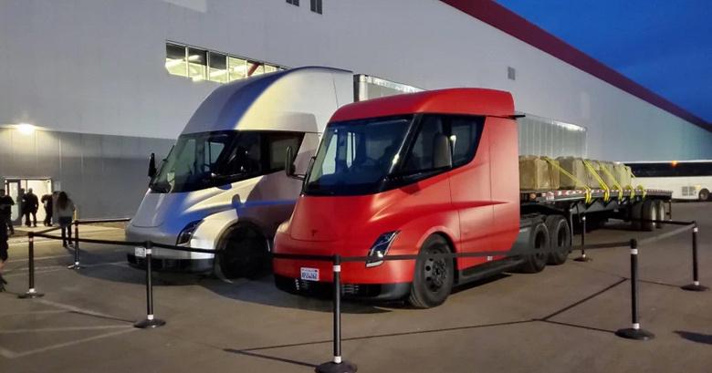 Выпуск электрических грузовиков Tesla Semi отложен до 2022 года