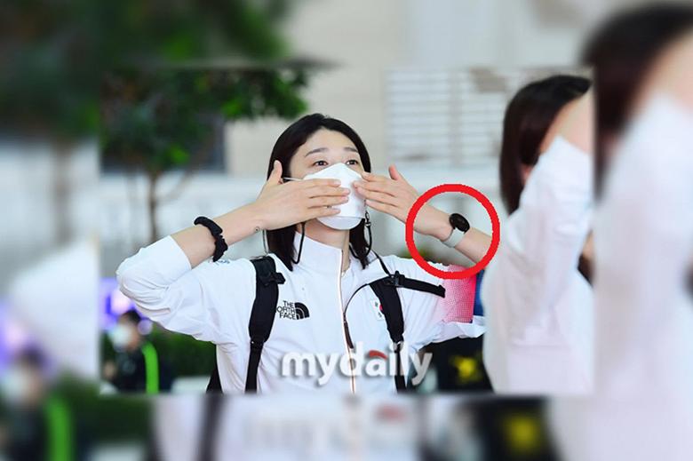 Знаменитости уже носят Samsung Galaxy Watch 4: часы засветились на живых фото