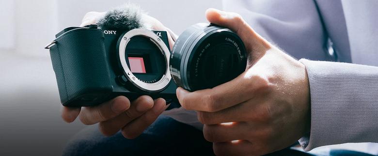 «Идеальная съёмка продуктов»: Sony представила камеру со сменной оптикой для видеоблогеров