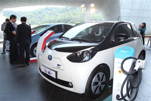 По оценке отраслевых источников, в 2025 году предложение аккумуляторов для электромобилей будет отставать от спроса на 40%