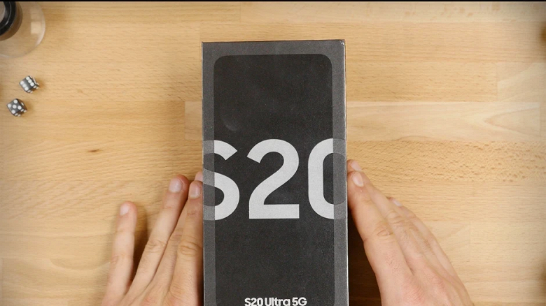 Пользователи Samsung Galaxy S20 начали жаловаться на проблемы с мерцанием дисплея, когда гарантия у многих закончилась