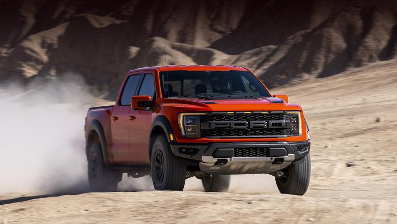 Ford значительно сокращает или останавливает производство автомобилей на своих заводах