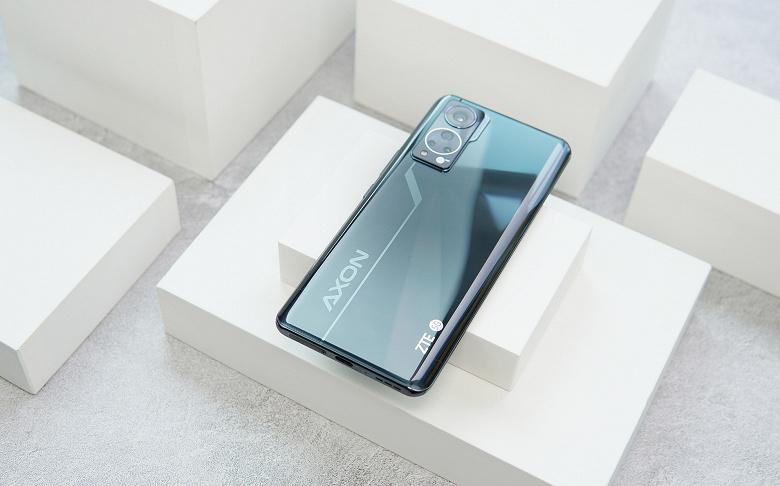 Самая лучшая подэкранная камера в смартфоне не впечатляет: работу ZTE Axon 30 показали в двух видеороликах