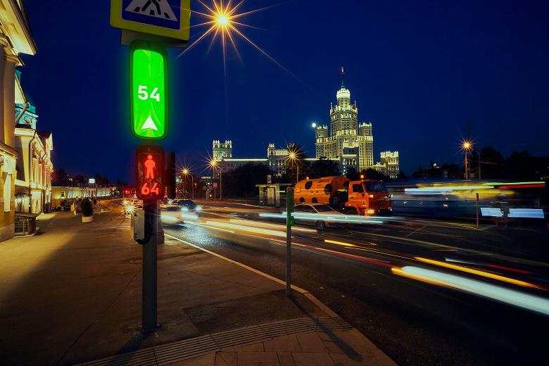 В России создают светофор будущего: один интерактивный экран, разные датчики и точка доступа Wi-Fi
