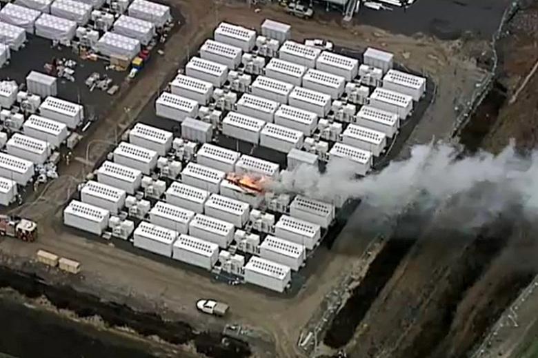 Во время испытаний одного из крупнейших в мире хранилищ электроэнергии вспыхнул блок Tesla Megapack