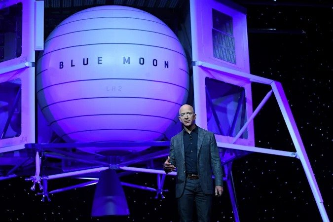 Blue Origin failed to challenge NASA's choice of SpaceX for a manned flight to the moon