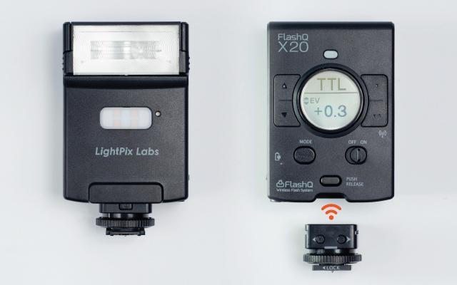 Вспышка LightPix Labs FlashQ x20 для камер Sony укомплектована передатчиком