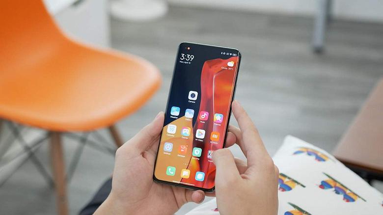 Пользователи Xiaomi такого не ожидали: в Сети появились отзывы владельцев Xiaomi Mi 1, получивших «красные конверты»