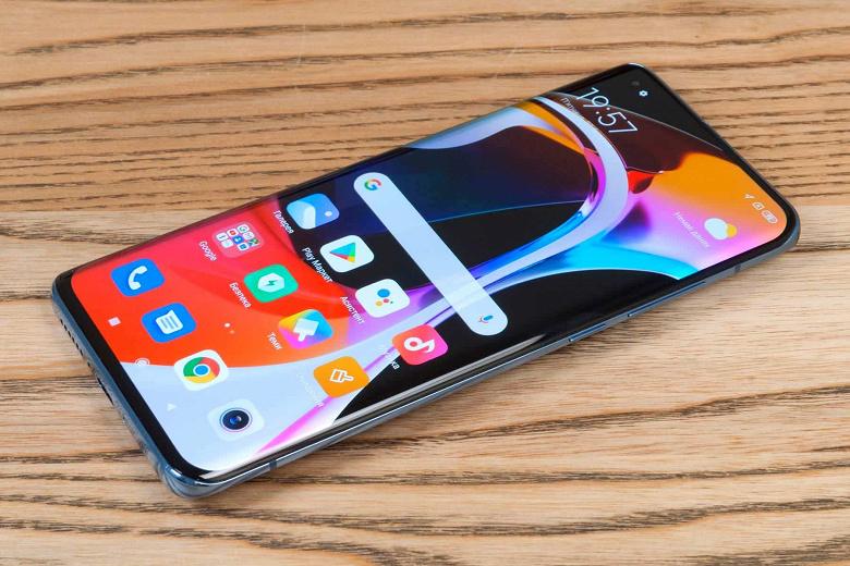 Три камеры по 50 Мп, 5-кратный зум и 120-герцевый LTPO-экран: новые подробности о Xiaomi 12