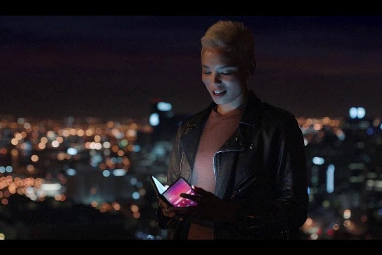 Samsung показала новые складные устройства