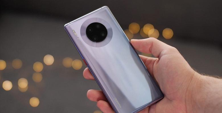 Huawei официально начала продавать подержанные смартфоны с новыми аккумуляторами, они пользуются огромным спросом в Китае