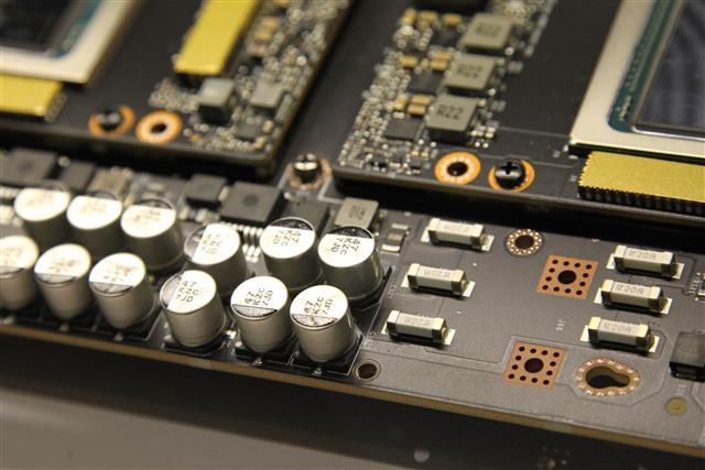 Вслед за микросхемами дефицитными стали конденсаторы