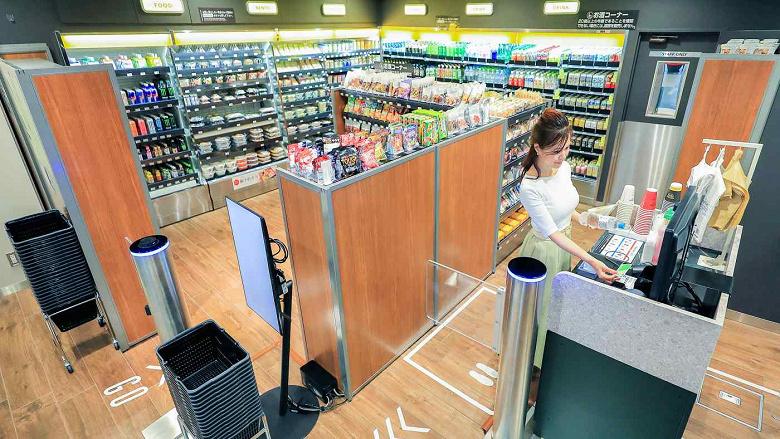FamilyMart планирует к 2024 году открыть в Японии 1000 «беспилотных» магазинов