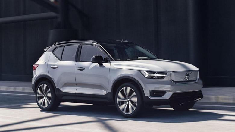 Электромобиль Volvo XC40 Recharge 2022 проезжает больше без подзарядки, чем Volvo XC40 Recharge 2021