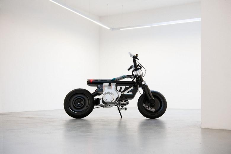 Еще не мотоцикл, но уже и не скутер. Представлен электрический мини-байк BMW CE 02