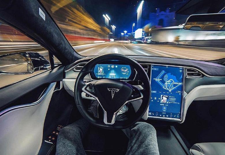 Автопилот Tesla делает водителей невнимательными. Опубликованы результаты исследования МТИ