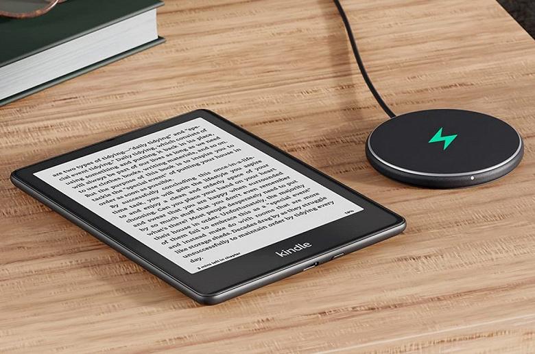 Экран диагональю 6,8 дюйма, 70 дней автономной работы и беспроводная зарядка. Amazon представила новые электронные книги Kindle Paperwhite и Paperwhite Signature Edition