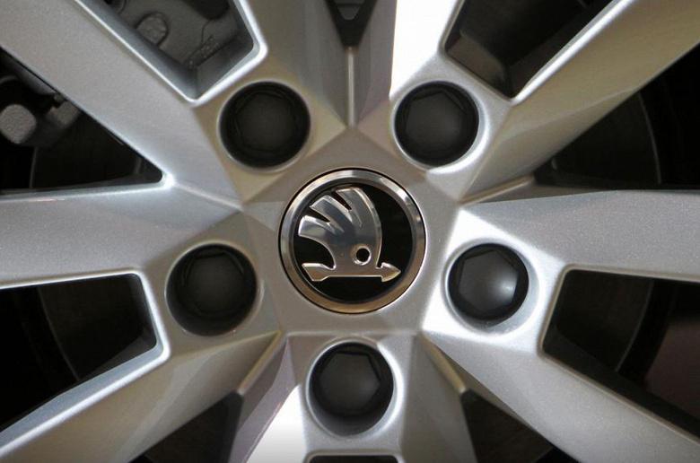 Из-за нехватки микросхем Skoda приостановит производство автомобилей на чешских заводах