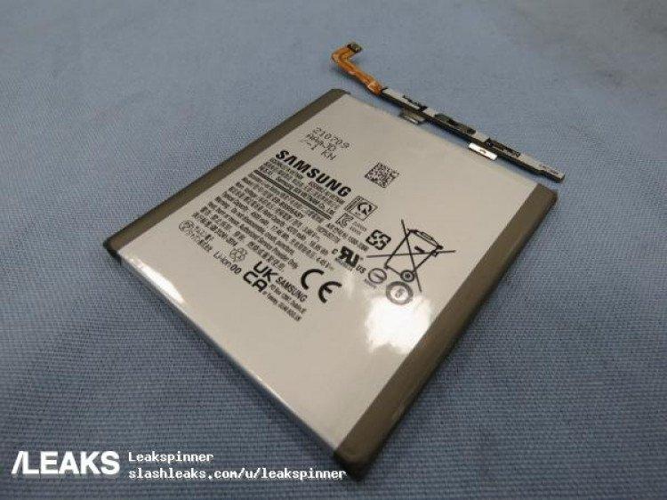 Samsung и правда уменьшает аккумуляторы: первое фото подтверждает ёмкость батарейки Samsung Galaxy S22+