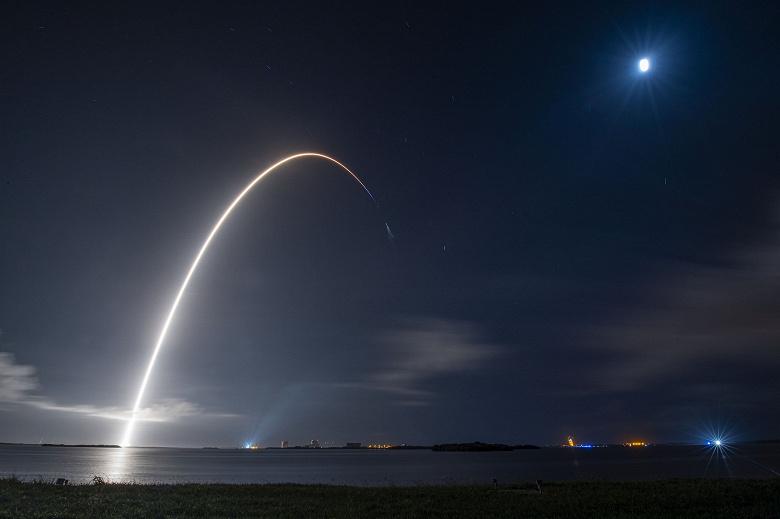 Дрон SpaceX «Недостаток гравитации» успешно выполнил первую миссию: зачем компания Илона Маска использует эти платформы