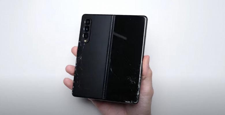 Как Samsung Galaxy Z Fold3 переживёт падение с высоты до полутора метров