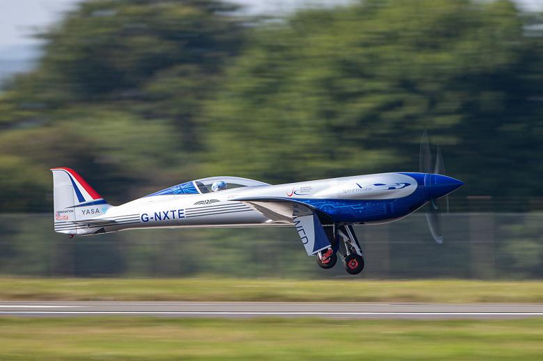Полностью электрический самолет Rolls-Royce совершил первый полет