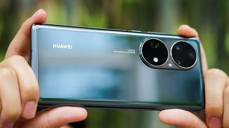Huawei собирается вернуться в лидеры и не будет продавать бизнес смартфонов