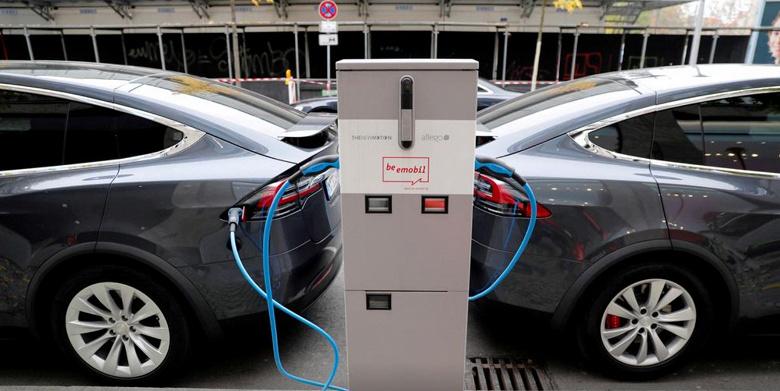 Назван новый фактор, способный помешать переходу на электромобили