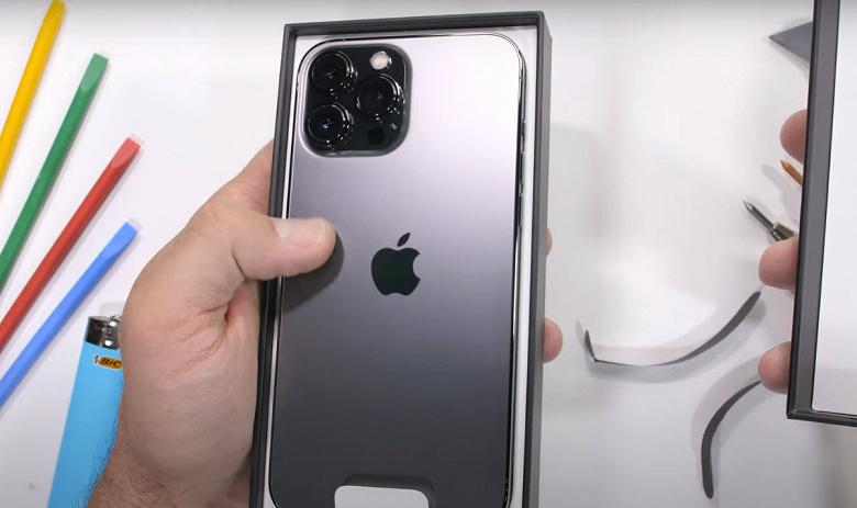iPhone 13 Pro Max царапали, жгли и пытались изогнуть: он оказался довольно прочным смартфоном