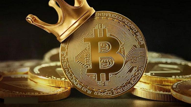 Bitcoin взлетел на 10% за сутки. Только за полчаса главная криптовалюта мира подорожала на 3000 долларов