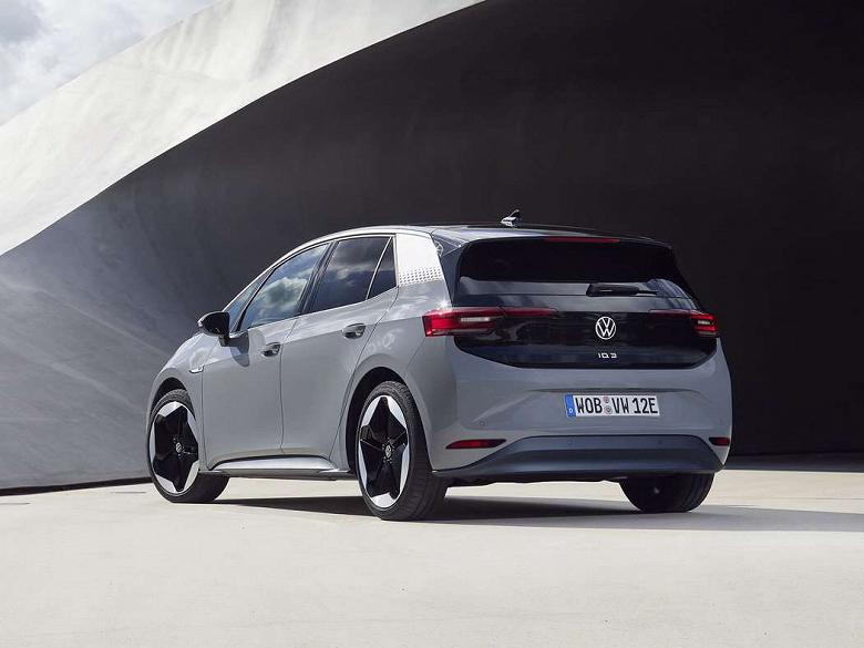 Вместо электрического Golf. VolkswagenI.D.3 привлекает очень много новых для компании клиентов