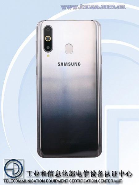 Появились первые фотографии смартфона Samsung Galaxy A8s с дырявым экраном Infinity-O