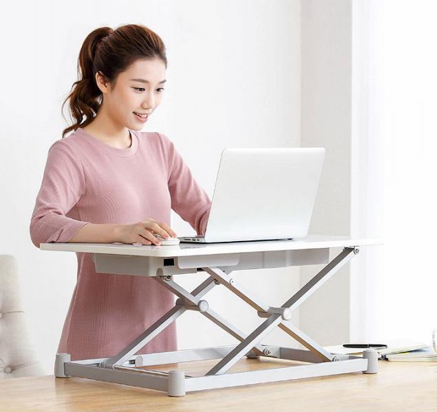 Xiaomi представила механизированную подставку для ПК, позволяющую работать стоя