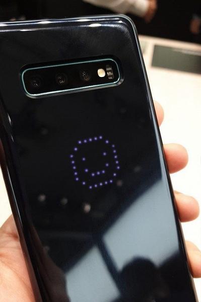 Внезапно. «Звёздный» чехол LED Cover для смартфонов Samsung Galaxy S10 отключает NFC