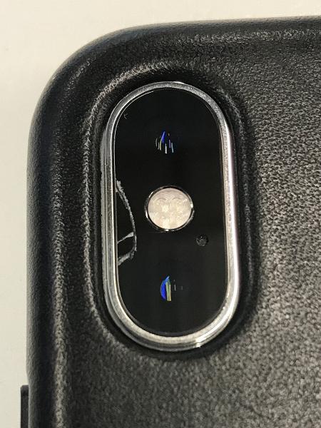 История повторяется. Пользователи iPhone XS и XS Max жалуются на трещины в камере